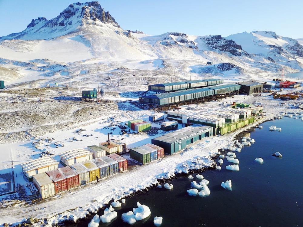 Oito anos depois do incêndio que destruiu a Estação Antártica Comandante Ferraz, base brasileira reabre para cientistas e pesquisadores - Foto: Divulgação Marinha do Brasil