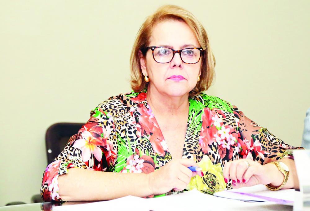 Secretária Municipal de Educação, Silvana Elias, afirma que seu sonho é cumprir os anseios da categoria - Foto: Neto Talmeli