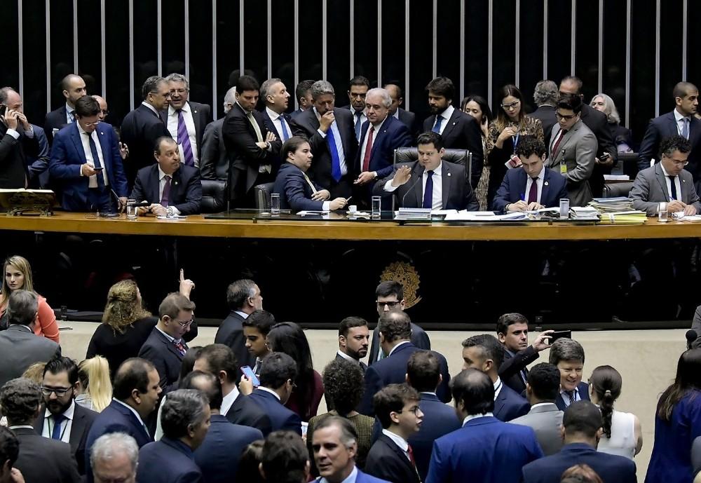 Deputados e senadores reunidos no plenário da Câmara em sessão conjunta, em dezembro de 2019 - Foto: Waldemir Barreto/Agência Senado