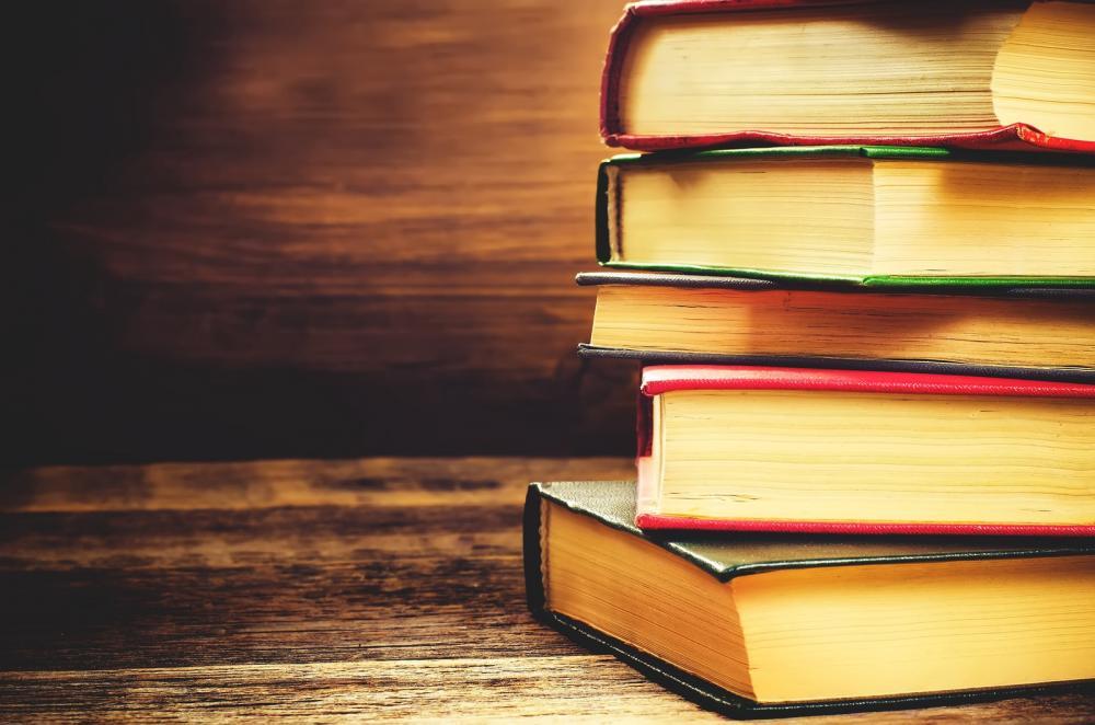 """Campanha """"Doe Livros, mova ideias"""" estará no Shopping Uberaba neste final de semana"""