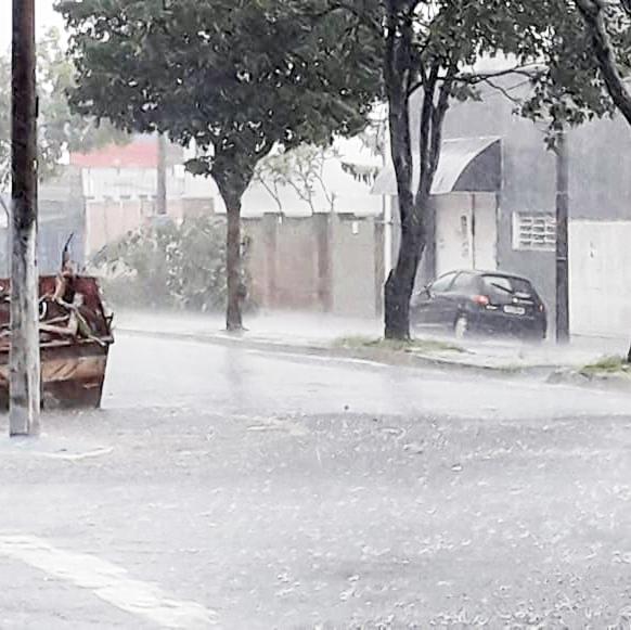 Chuva deixa pontos de alagamentos em mês com precipitação pluviométrica de 601 mm