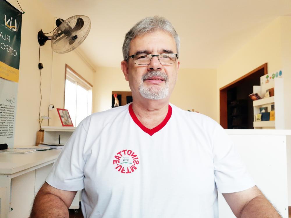 Coordenador-geral do Sindttae/UFTM, Rolando Malvásio, afirma que excesso de trabalho e assédio adoeceram o trabalhador - Foto: Divulgação