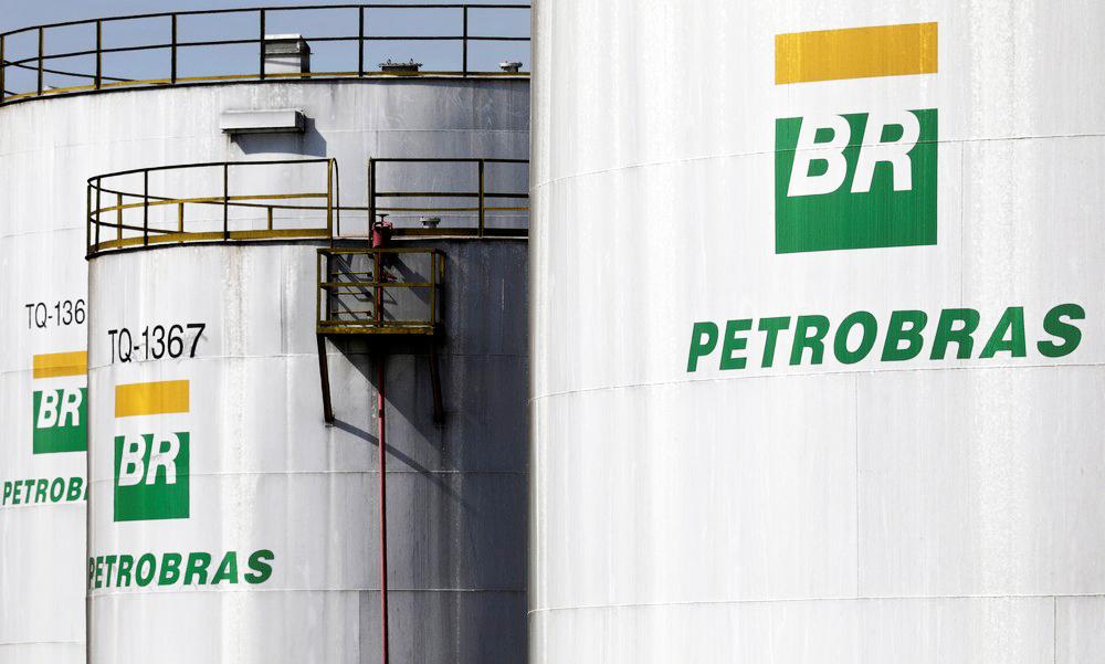 Refinaria da Petrobras em Paulínia (SP); novos valores começaram a partir desta sexta-feira - Foto: Paulo Whitaker/Reuters