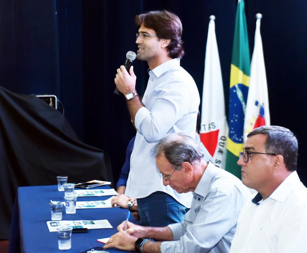Prefeito Paulo Piau destaca os avanços na área dessaúde em Uberaba - Foto: André Santos/PMU