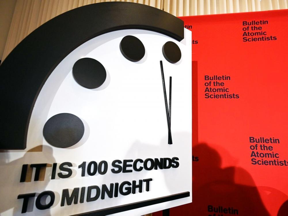 Faltam 100 segundos para a meia noite (ou o fim do mundo), apontou Relógio do Apocalipse - Foto: Eva Hambach/AFP