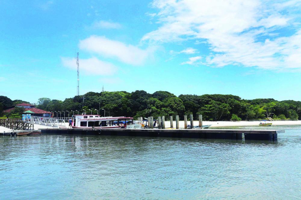 Ilha do Mel guarda alguns tesouros que são únicos no litoral do Paraná, como a Fortaleza Nossa Senhora do Prazeres - Foto: Arnaldo Alves/AEN