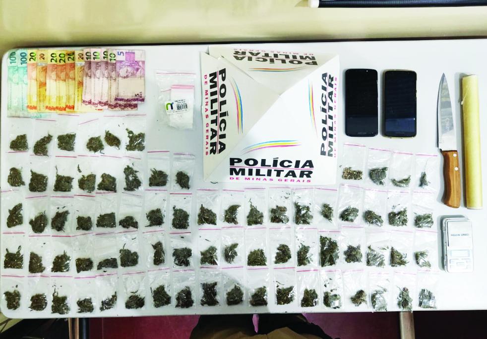 Material apreendido na casa do suspeito de tráfico de drogas - Foto: Divulgação