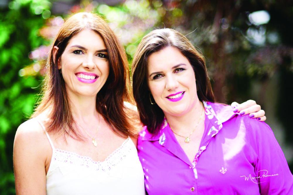 Helenilze Andrade e Mila Silveira, empresárias da VitalFarma, oferecem manipulação de medicamentos e cosméticos de excelência há 19 anos