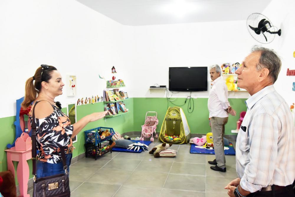 Prefeito Paulo Piau visita Caps AD e creche comunitária no bairro Josa Bernardino - Foto: André Santos/PMU