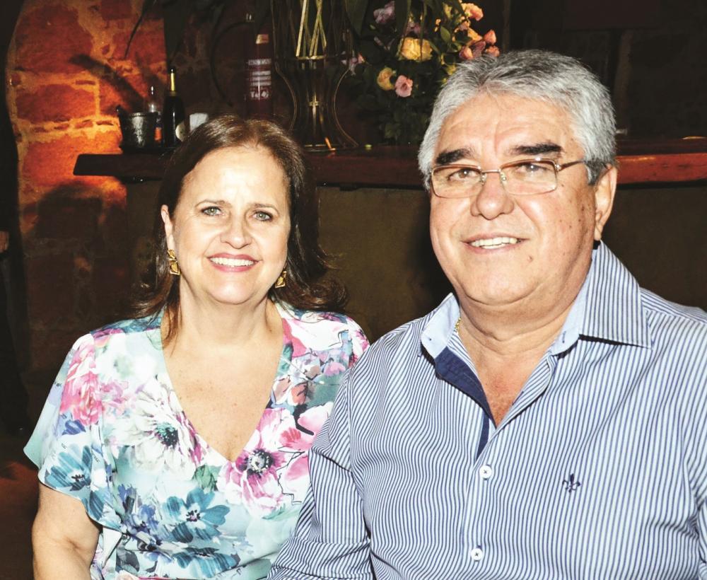 Abadia Cartafina Perez Borges homenageada de amanhã pelo aniversário, ao lado do marido Antônio Mario Borges - Foto: Divulgação