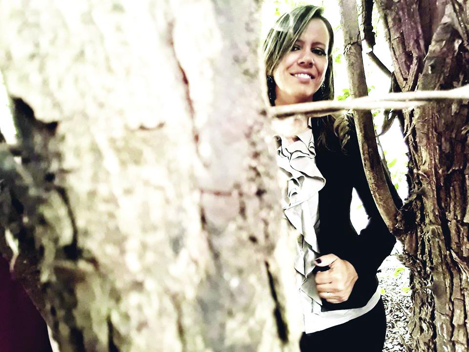 Com grande sucesso, a super Sinarinha Rocha, celebra o aniversário em grande estilo. Repleta do afeto dos amigos e dos familiares.