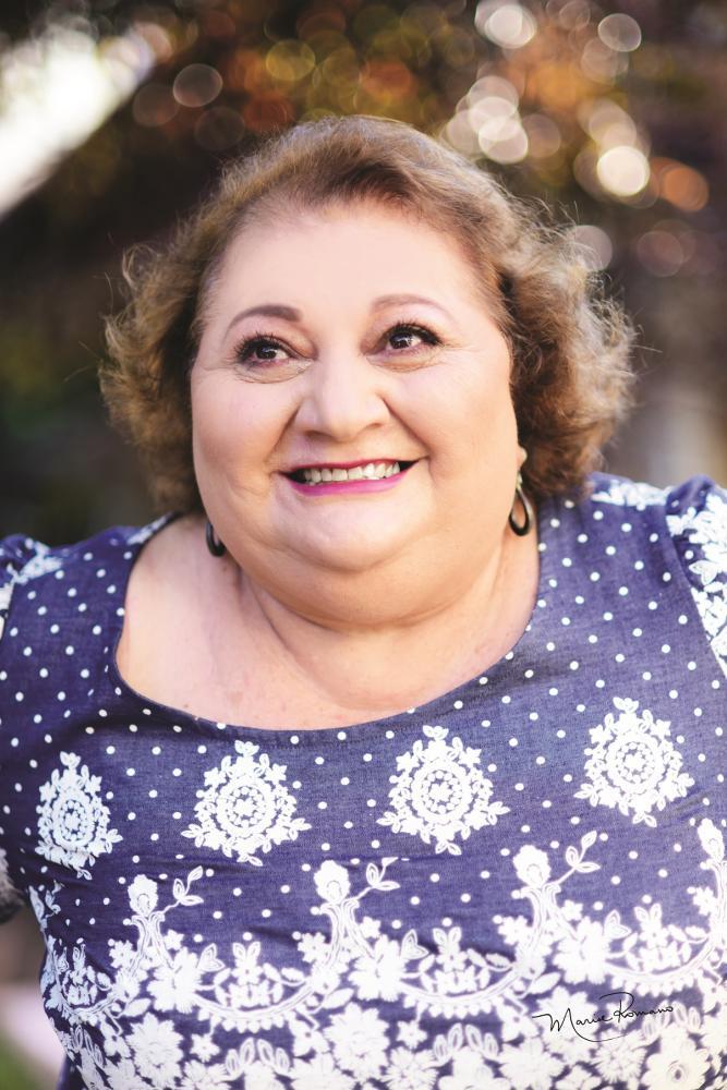A zelosa e dedicada presidente do Asilo Santo Antônio Edna Idaló faz aniversário no dia 15 de fevereiro