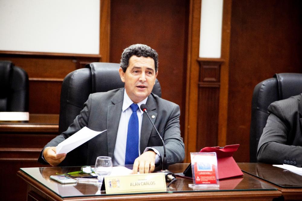 Vereador Alan Carlos lembra que PL visa a criação da Semana da Saúde Mental em Uberaba - Foto: Rodrigo Garcia/CMU