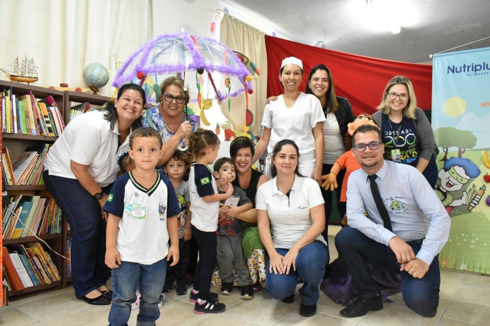 Secretária de Educação Silvana Elias acompanhou o projeto ontem - Foto: Marco Aurélio/PMU