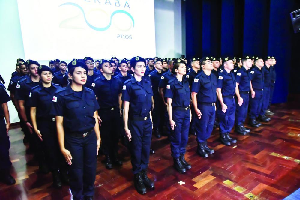 Setenta e nove Guardas Municipais tomam posse após serem aprovados em concurso - Foto: André Santos/PMU