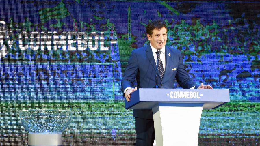 Alejandro Dominguez, presidente da Conmebol, é a favor da Copa Intercontinental - Foto: NORBERTO DUARTE/AFP