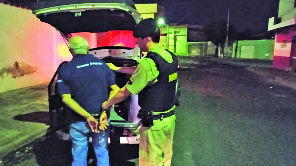 Acusado de tentativa de homicídio foi preso minutos após o crime