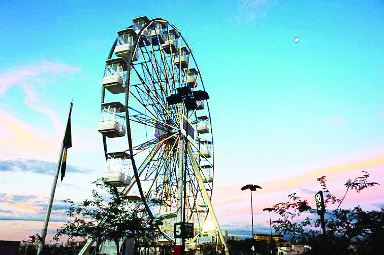 Roda-gigante volta à cidade com novidades, como as gôndolas Pet e Vip - Foto: Francis Prado