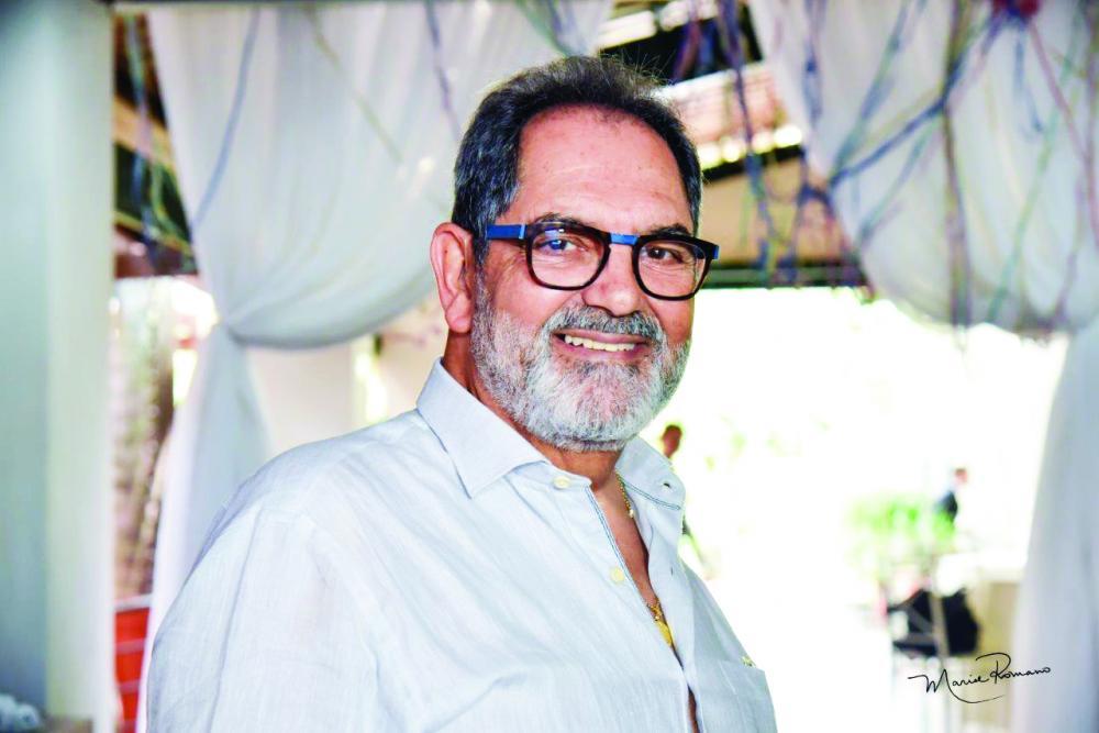Psicólogo Alexandre Rodrigues Barbosa ganhou no dia 15 de fevereiro animada festa de aniversário pelos 70 anos de vida, alegria e saúde