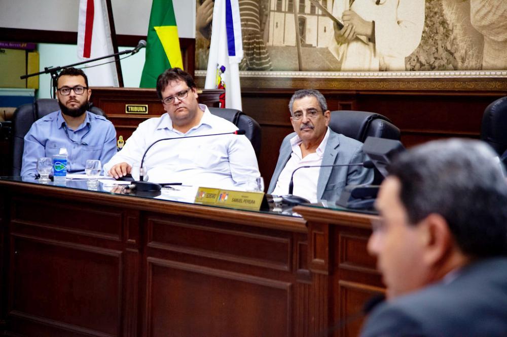 Secretário municipal de Planejamento, Nagib Galdino Facury, e o superintendente de Planejamento Urbano, Daniel Felipe Rodrigues foram sabatinados na Câmara - Foto: Rodrigo Garcia/CMU
