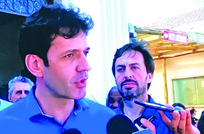 Ministro do Turismo Marcelo Álvaro Antônio conversou com a imprensa em sua visita a Uberaba e diretor executivo do JORNAL DE UBERABA, Lawrence Borges acompanhou