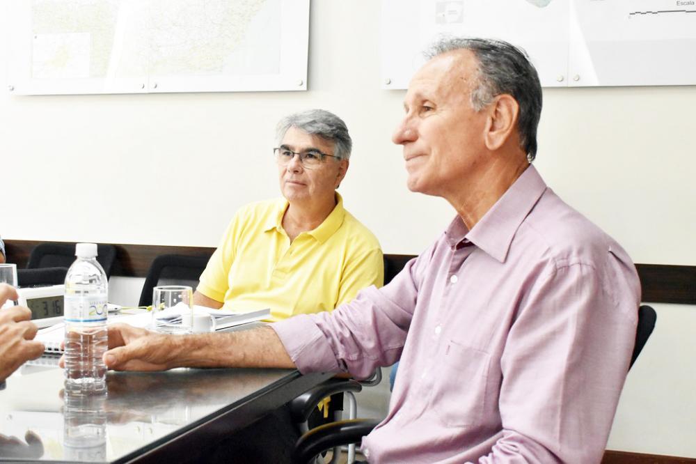 Prefeito Paulo Piau acatou parecer da Procuradoria Geral do Município e não concede reajuste na tarifa do transporte coletivo - Foto: Marco Aurélio/PMU