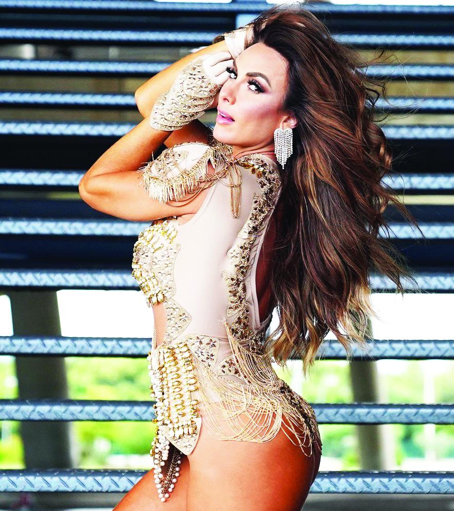 A bela Nicole Bahls, uma das musas do carnaval carioca deverá ser um dos destaques na Marquez de Sapucaí, desfilando pela Beija Flor