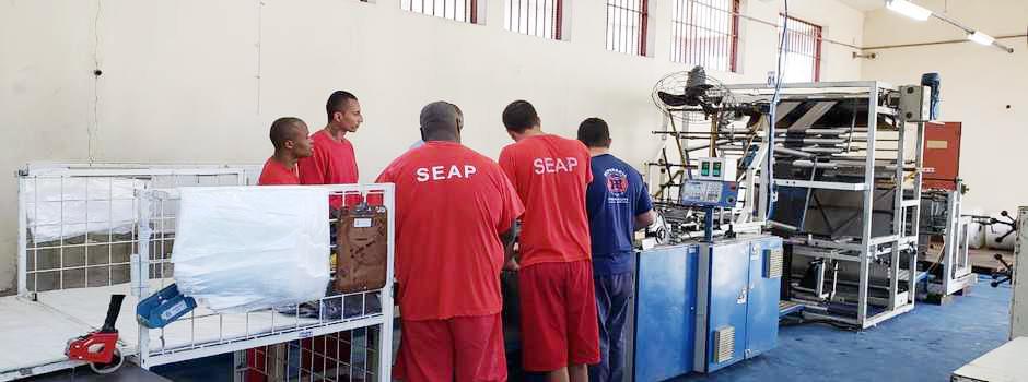 Com novo galpão, Penitenciária Ariosvaldo Campos Pires agora conta com duas oficinas de trabalho e 71 presos em atividade