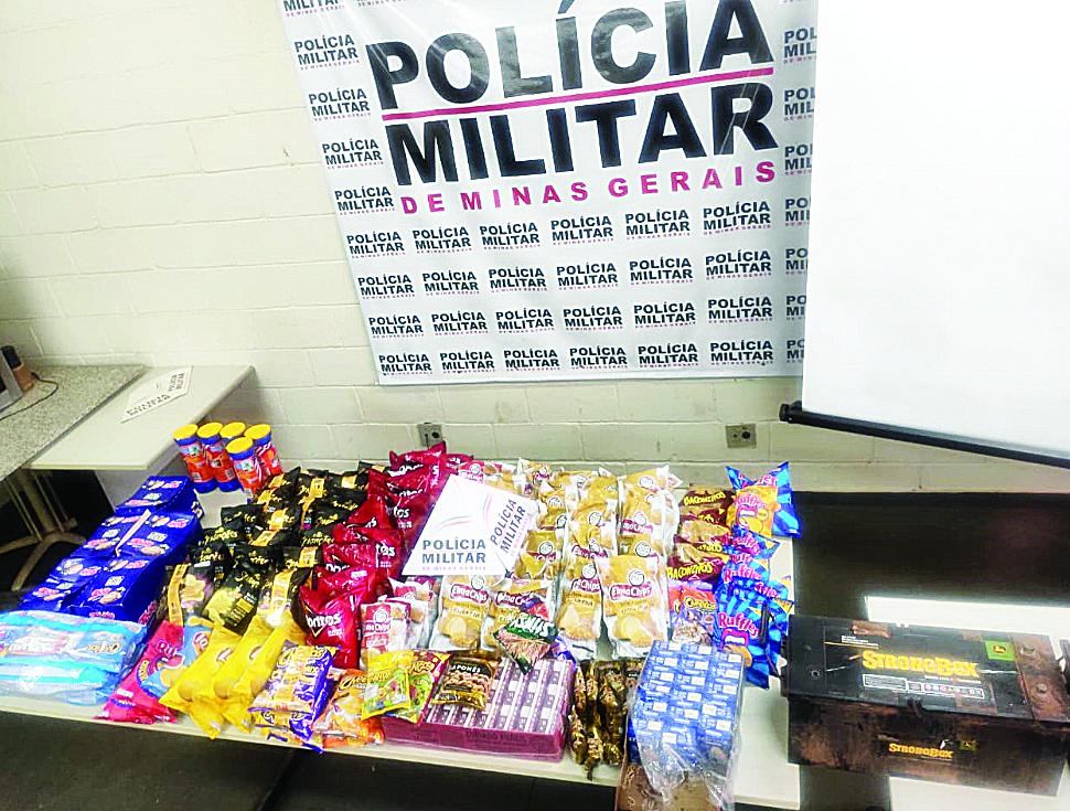 Alimentos foram encontrados em casa no Arquelau - Foto: Juliano Carlos