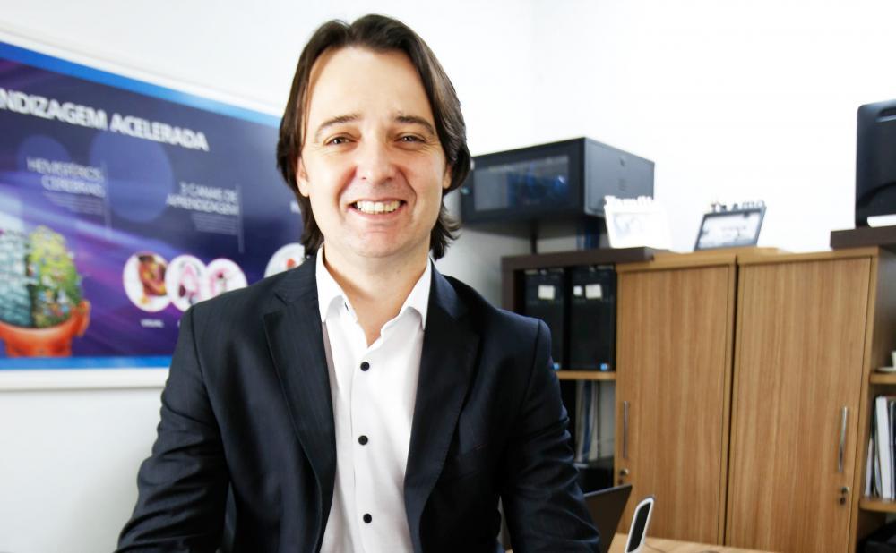Denis Sá, presidente da rede Enjoy inglês Profissionalizante, profere palestra hoje em Uberaba - Foto: Divulgação