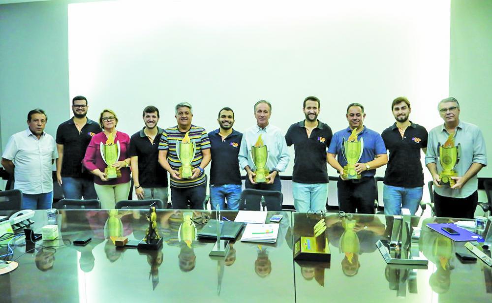 Equipe da EXP apresenta balanço do CIA 2019 ao prefeito Paulo Piau e ao presidente da Funel, Luiz Alberto Medina