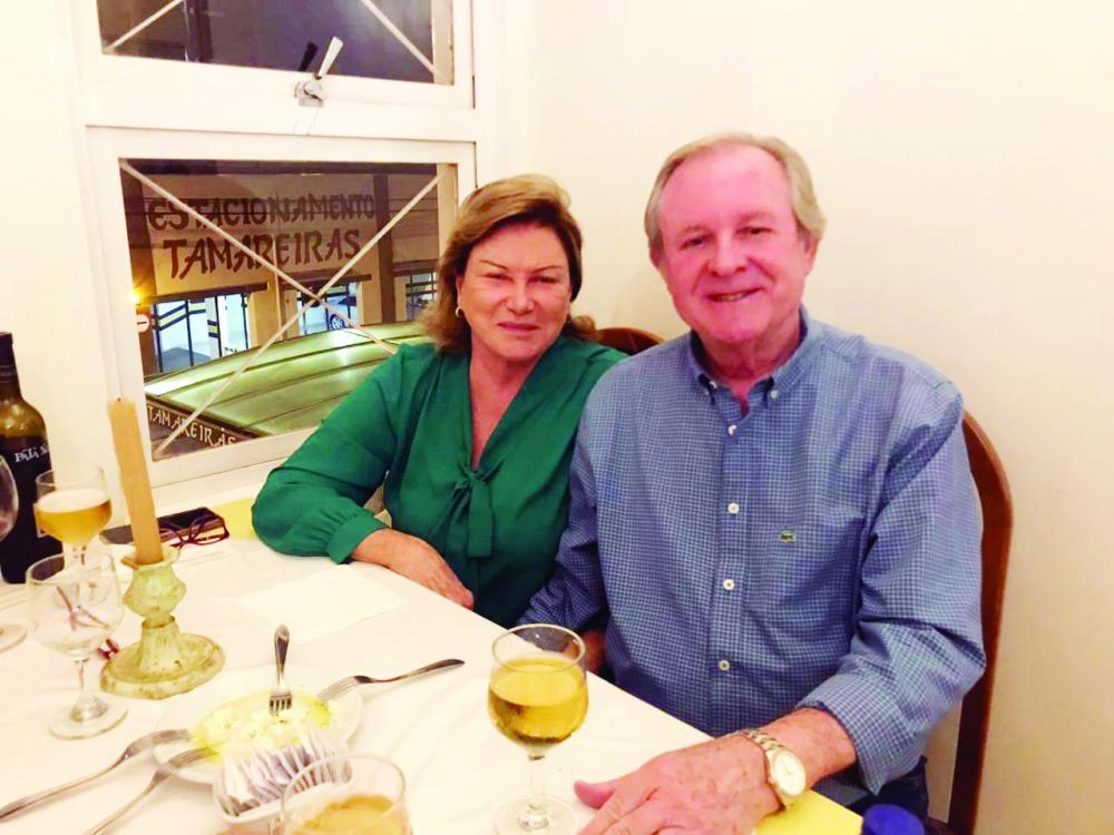Ana Cadelca Cotian e Antonio Cadelca não abrem mão das delícias oferecidas no restaurante dos Hotéis Tamareiras