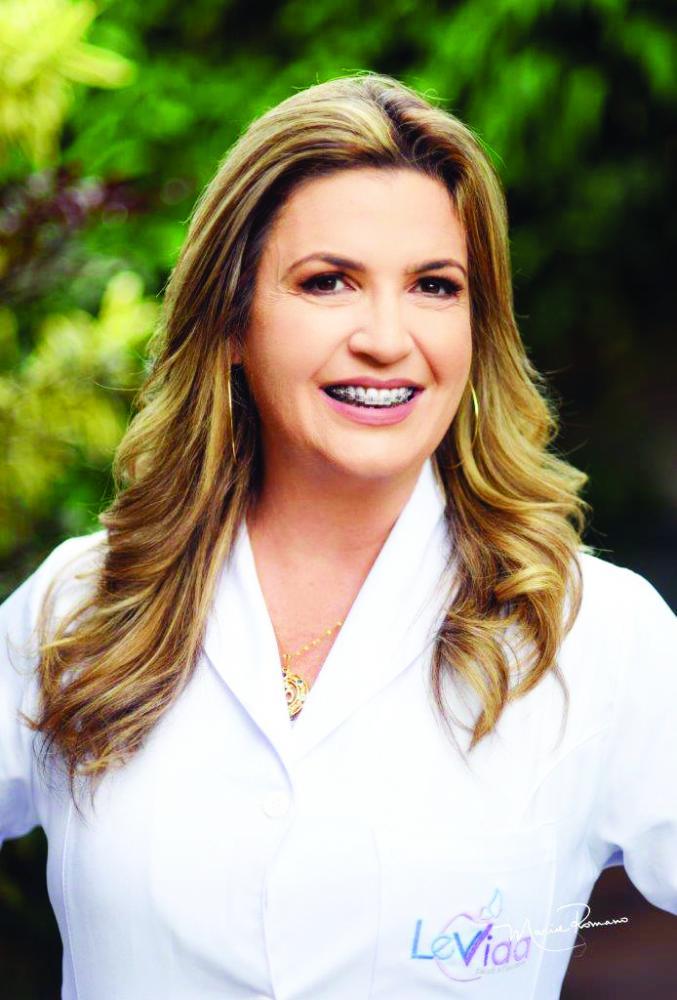 A acupunturista e terapeuta holística Sheila Lacerda é uma competente profissional no tratamento das dores físicas e dores da alma. Sua energia encanta!