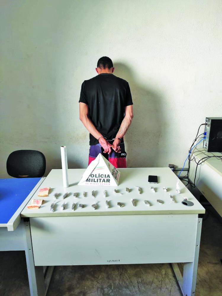 Jovem oferecia drogas pela internet e acabou detido pela PM