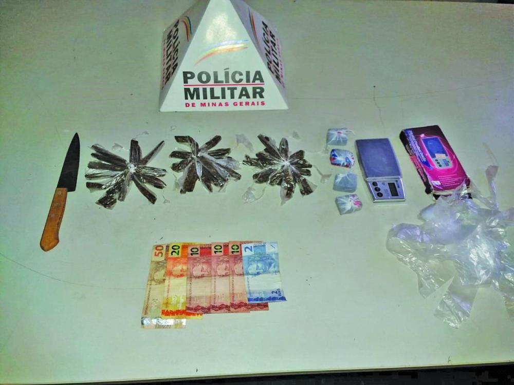 Drogas e materiais foram aprendidos pelos policiais