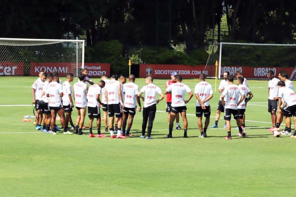 Elenco do São Paulo deve rodar em partida o Paulistão que antecede jogo da Libertadores - Foto: Marcos Paulo