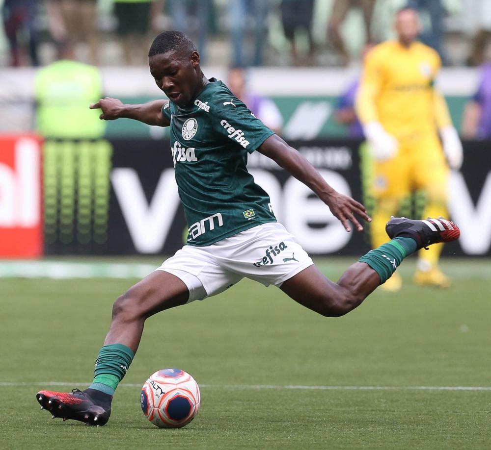 Patrick de Paula teve papel importante na saída de bola e na transição da defesa para os meias - Foto: Cesar Greco/Ag Palmeiras