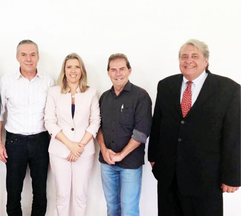 Deputado Federal Zé Silva, pré-candidata Elisa Araujo, Dep. Federal Paulinho da Força e o vice presidente estadual do Solidariedade Eduardo Palmerio.