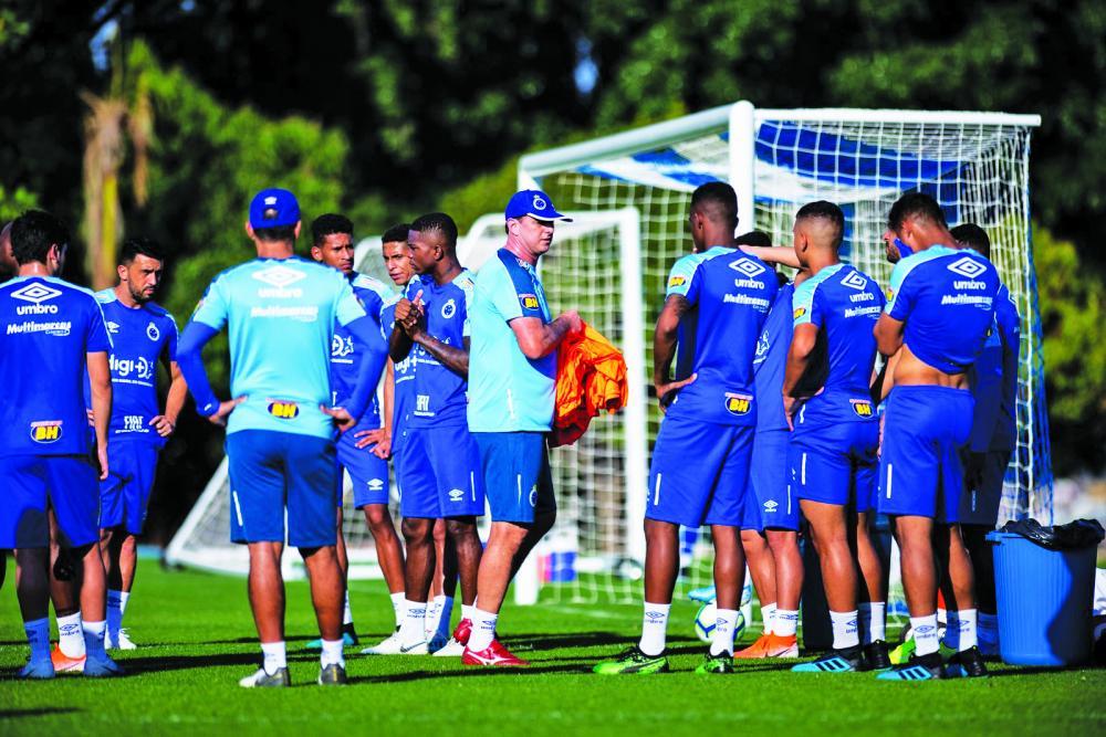 Treinador Rogério Ceni afirma que defeitos identificados foram repassados ao diretor de futebol Marcelo Djian