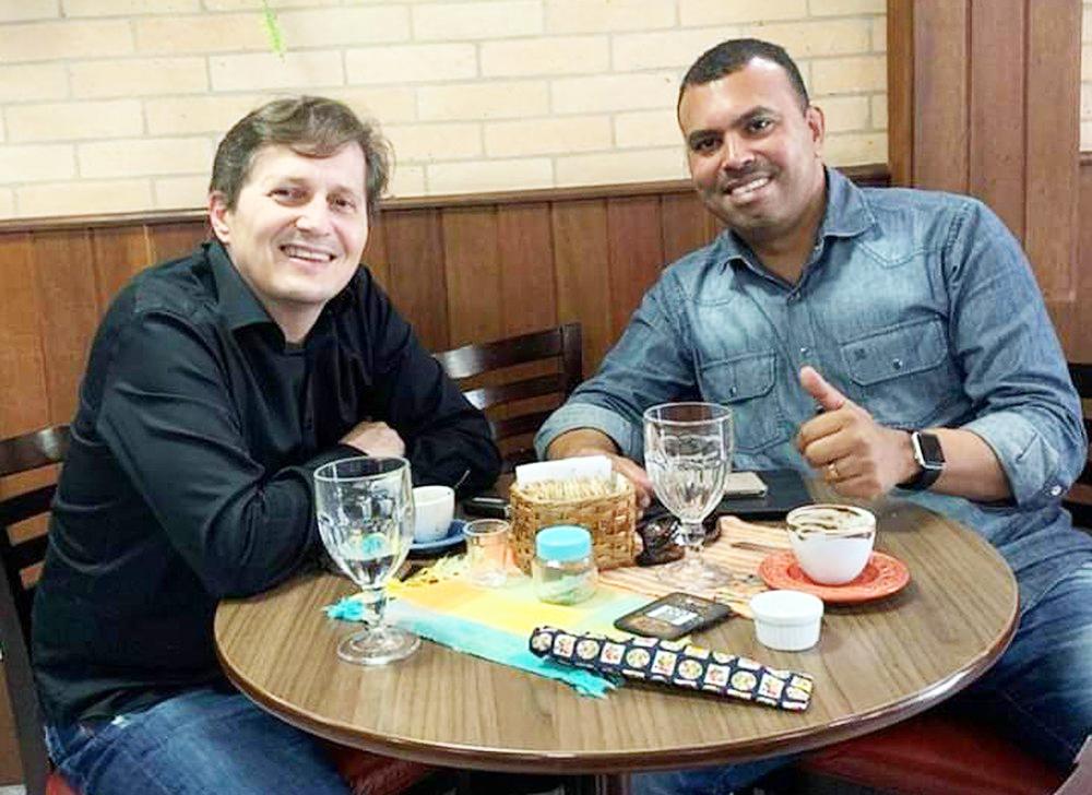 Alex Joaquim (dir.) com o presidente do USC, Ruy Trida - Foto: Divulgação/USC
