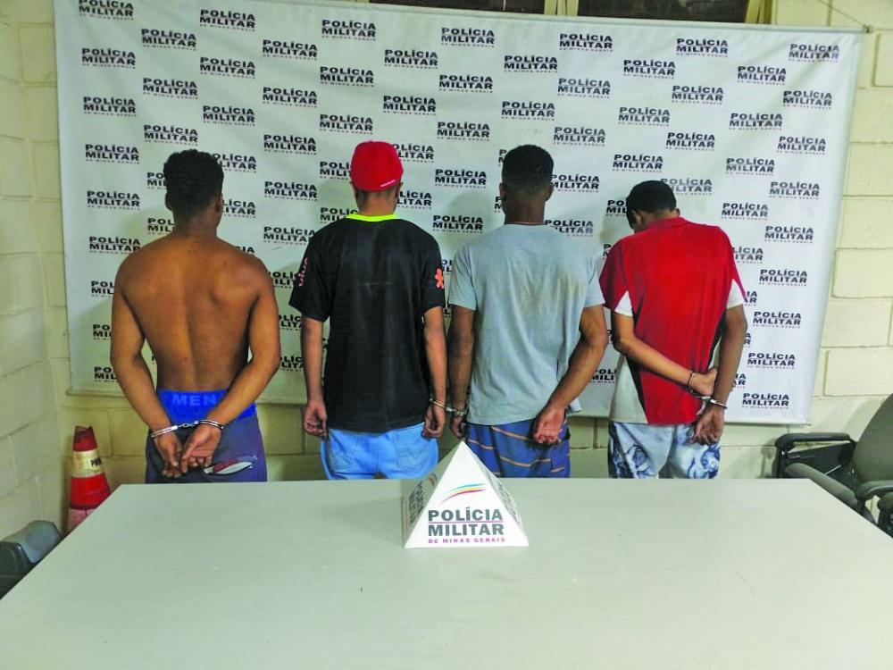 Jovens foram presos em operação do Tático Móvel