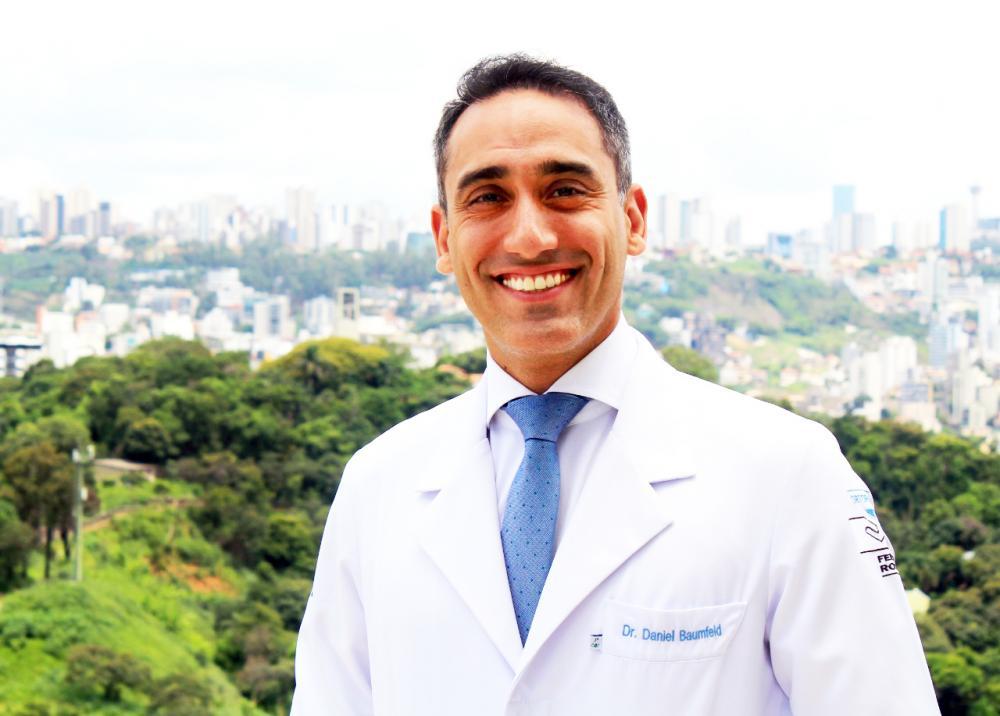 Dr. Daniel Baumfeld: Especialista em Medicina e Cirurgia do Pé e do Tornozelo. Mestre e Doutor em Ortopedia - Foto: Divulgação