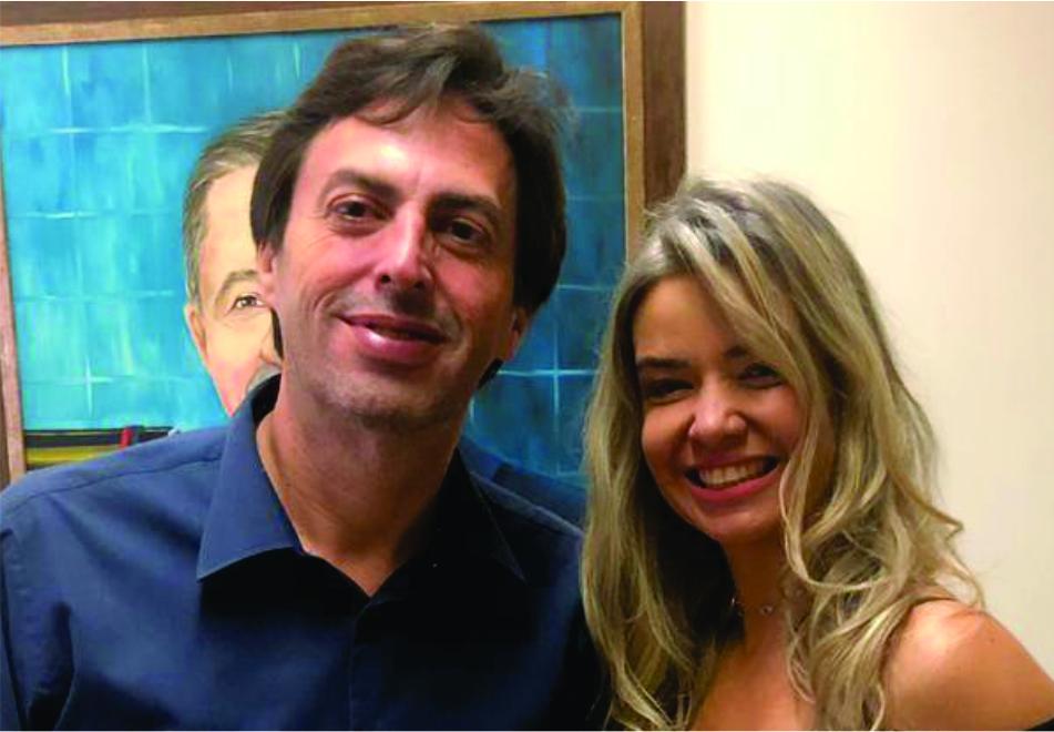 Lawrence Borges, diretor executivo do JORNAL DE UBERABA recebe convite para evento solidário pela diretora Cultural do Instituto dos Cegos do Brasil Central, Debora Mota