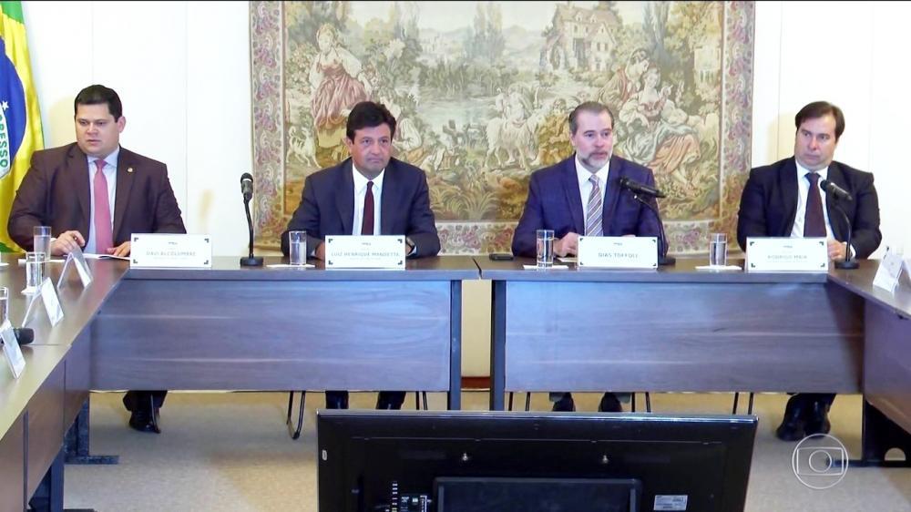 Ao lado dos presidentes do Senado e da Câmara, o presidente do STF apresentou medidas conjuntas para evitar a Covid-19 na Corte - Foto: Divulgação