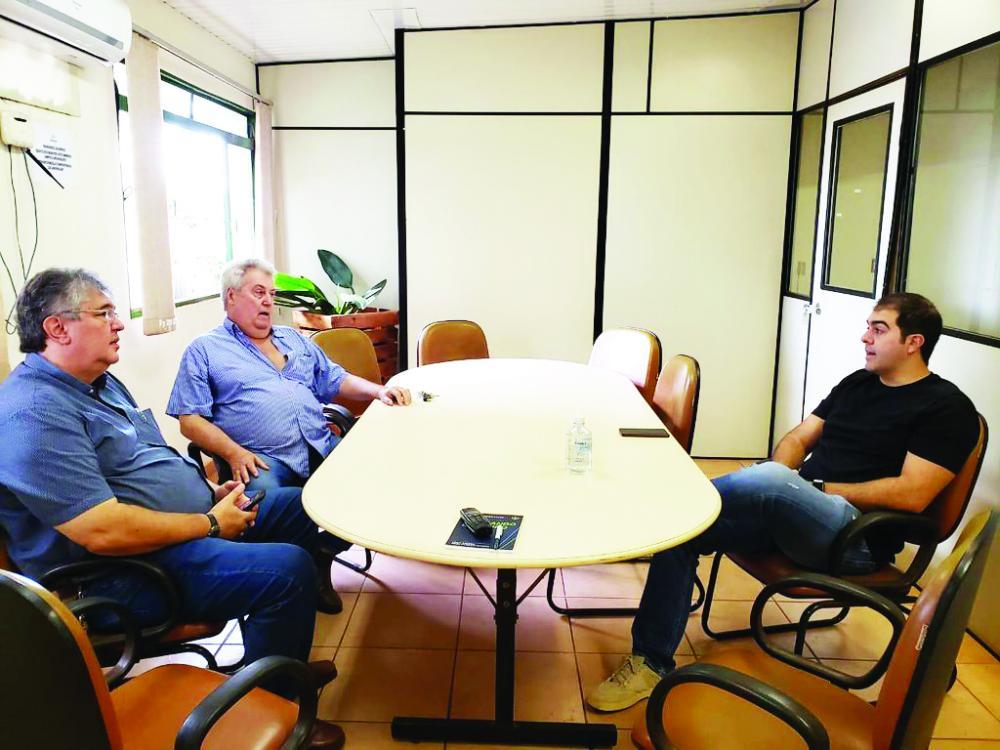 A conquista foi consolidada em reunião ontem entre as entidades envolvidas, a Prefeitura e o deputado federal Franco Cartafina - Foto: Divulgação/PMU