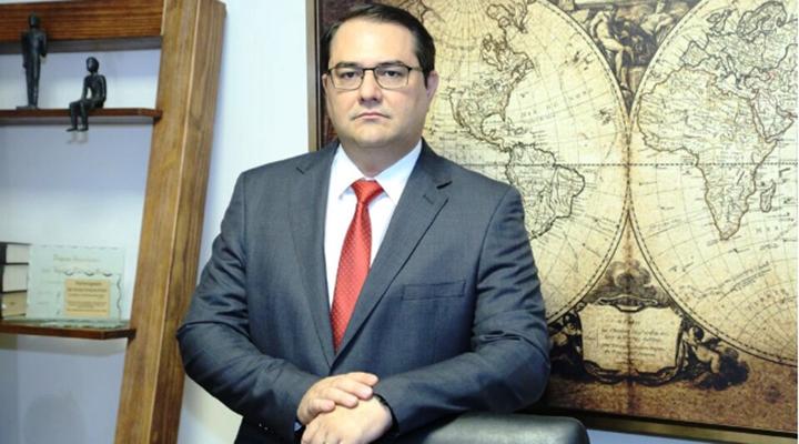 Advogado, especialista em direito empresarial e consultor jurídico da Aciu, Dr. João Henrique Rodrigues Almeida - Foto: Divulgação/Aciu
