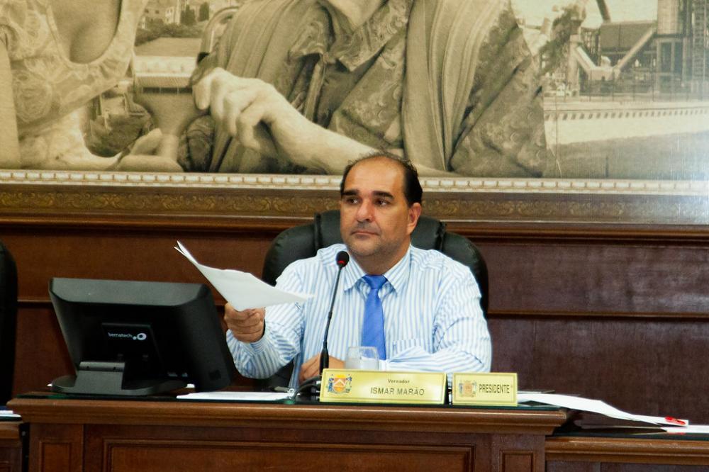 Proposta do presidente da Câmara, Ismar Marão, aprovada pelos demais vereadodores devolve para a Prefeitura R$ 1,3 milhão - Foto: Rodrigo Garcia/CMU