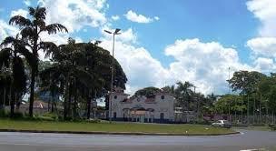 Homem é assaltado próximo a agência bancária, localizada na praça Vicentino Rodrigues da Cunha