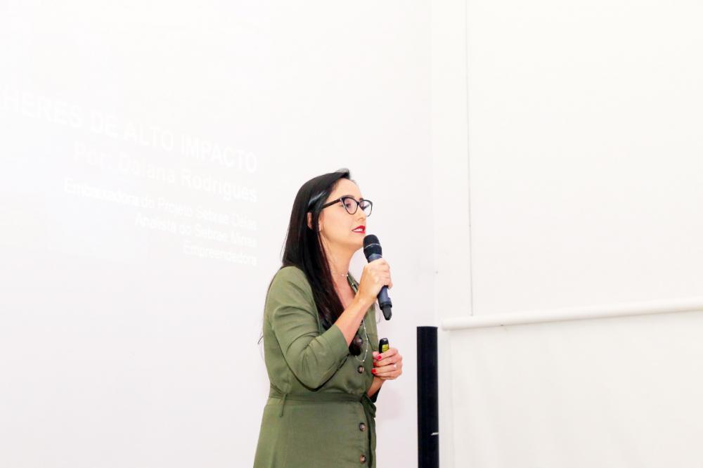 Analista do Sebrae, Daiana Rodrigues, faz alerta aos MEI, que não deixem para última hora a entrega da DASN - Foto: Paulo Lúcio