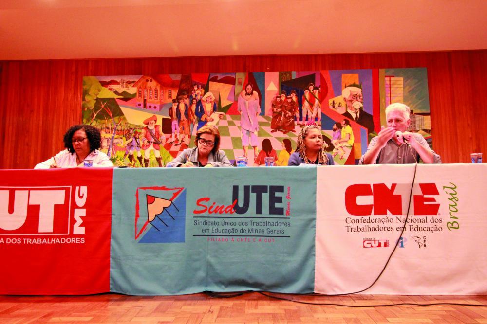 Sind-UTE/MG) reuniu o Conselho Geral, na terça-feira pela manhã, e Assembleia Estadual à tarde